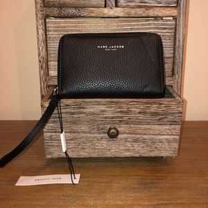 NWT Marc Jacobs Pike Place Leather Zip Wristlet